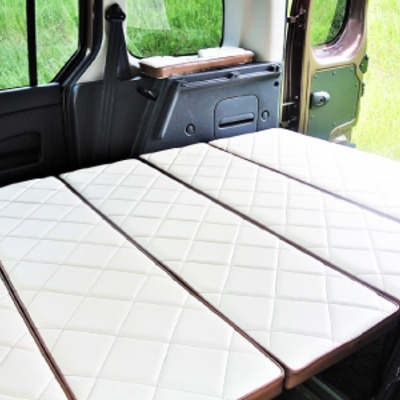 RVランド・コンセプト オリジナル ルノー カングー専用 ベッドキットの記事に添付されている画像