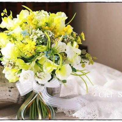 ミモザとスイトピーのSpring Bouquetの記事に添付されている画像