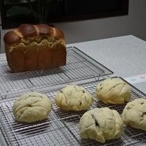 ふわふわサクサク「チョコチップめろんぱん」&しっとり「胡桃と蜂蜜の食パン」(^-の記事に添付されている画像