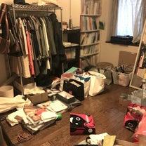 """【BEFORE→AFTER】荷物を置き続けてしまう""""あるある部屋""""の記事に添付されている画像"""