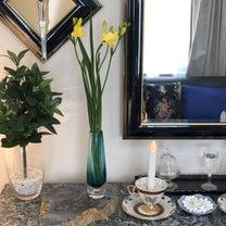 インテリア壁掛け仏壇と季節のお花:黄色のフリージアの記事に添付されている画像