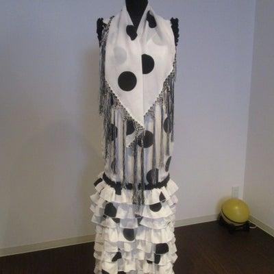 フラメンコ・ガレージセール情報⑥ ~スペイン製1点もの新品衣装と練習用バタ・デ・の記事に添付されている画像