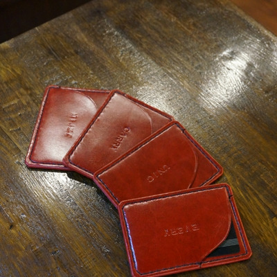 法人カードケースの記事に添付されている画像