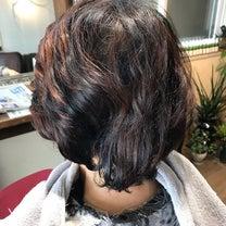 ヘナとキュビズムカットならくせ毛の悩みが改善できる!^_^の記事に添付されている画像