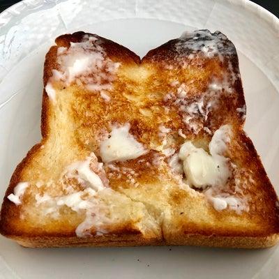 バターたっぷりのトースト前は、メタバリアスリムプレミアムS。の記事に添付されている画像
