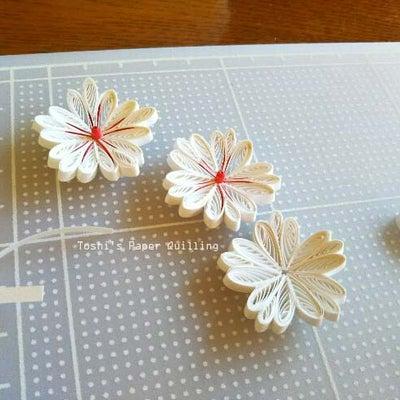 大小のティアドロップで作る花:作り方の記事に添付されている画像