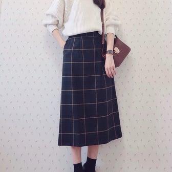 SALEで1万円OFFでGET!!上品チェック柄スカート