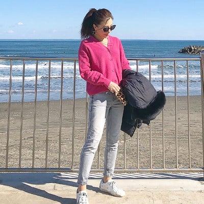 UNIQLOピンクニットで海カジュアル♡の記事に添付されている画像