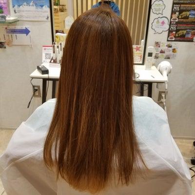 髪質改善トリートメントを吉田がモデルになってみたの記事に添付されている画像