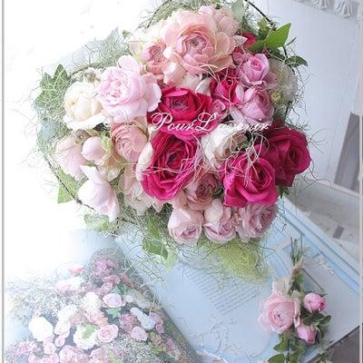 ラナンキュラスのバレンタインクラッチブーケの記事に添付されている画像