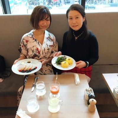 ニューヨークの朝食の女王サラベス @東京の記事に添付されている画像