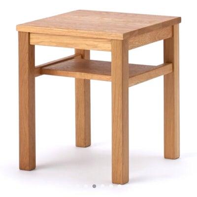 ベッドサイド用テーブルの記事に添付されている画像