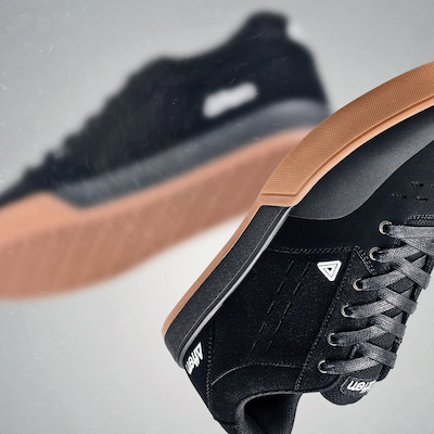 Afton Shoesのカスタマーレビューの記事に添付されている画像