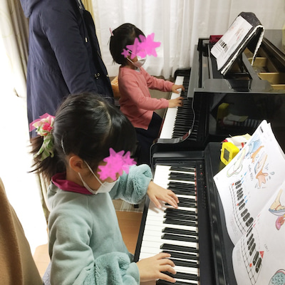 3歳児ピアノクラス グループレッスン♫の記事に添付されている画像