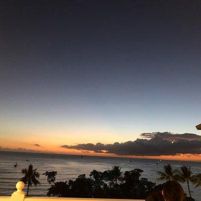 ハワイ 挙式後のパーティごはんの記事に添付されている画像