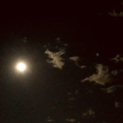 夜空の雲の記事に添付されている画像