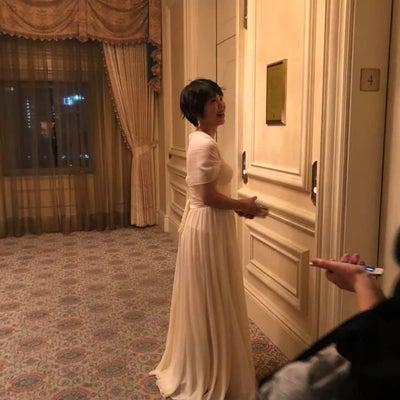 ロングドレスの効果は想像以上の記事に添付されている画像