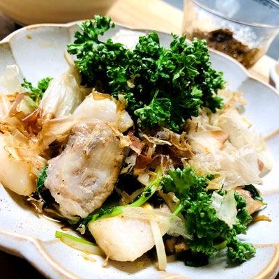 晩ご飯(トンテキのオイスター炒め、卵とほうれん草のサラダ、もずく酢、すまし汁)の記事に添付されている画像