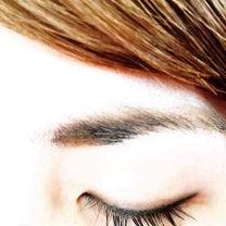 眉で顔が変わった❗️の記事に添付されている画像