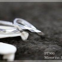 シックな仕上がりでオトナの雰囲気 ミラーカットのペアリングの記事に添付されている画像
