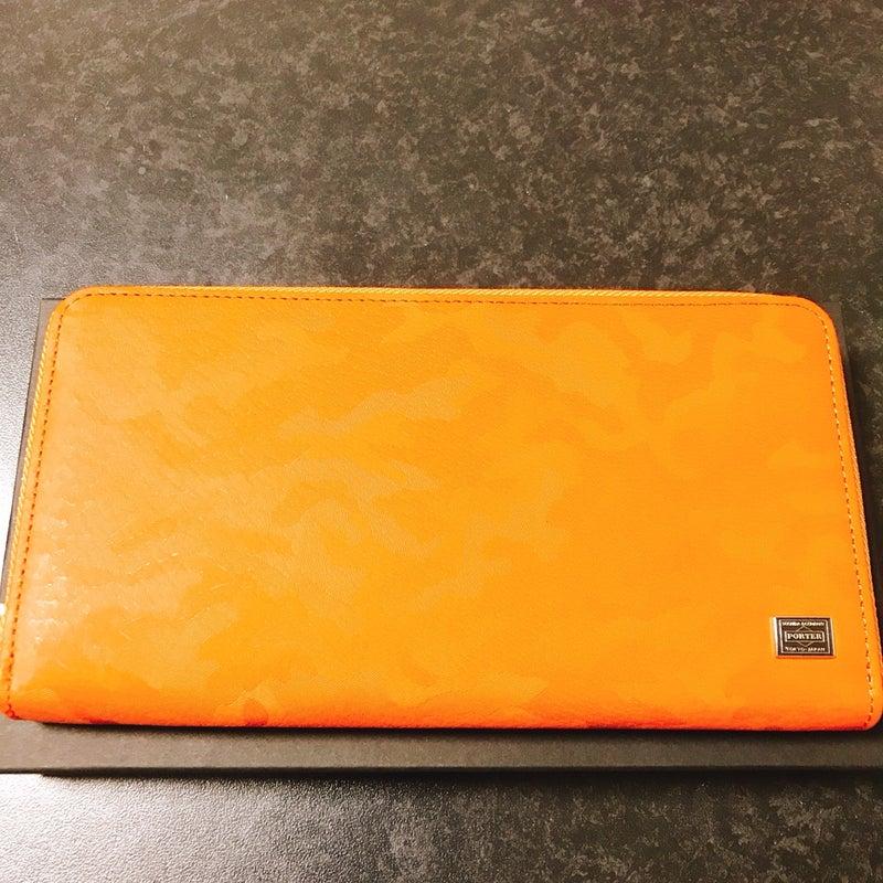 2305dc9f754d 昨年末から新年は新しい財布にしようと考え、色々と財布をみて回っていたんですがなかなか気に入ったものが見つけられず、買えずにいたんです。