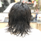 男性のくせ毛もキュビズムカットで楽ちんヘアーの記事より