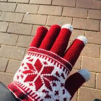 はめたままスマホできる手袋の記事に添付されている画像