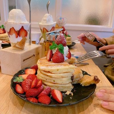 プレミアムパンケーキ 季節限定『苺のフォンダンショコラの記事に添付されている画像