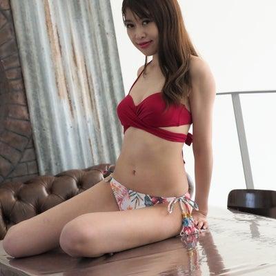 彩香 さん ビキニショット part.3の記事に添付されている画像