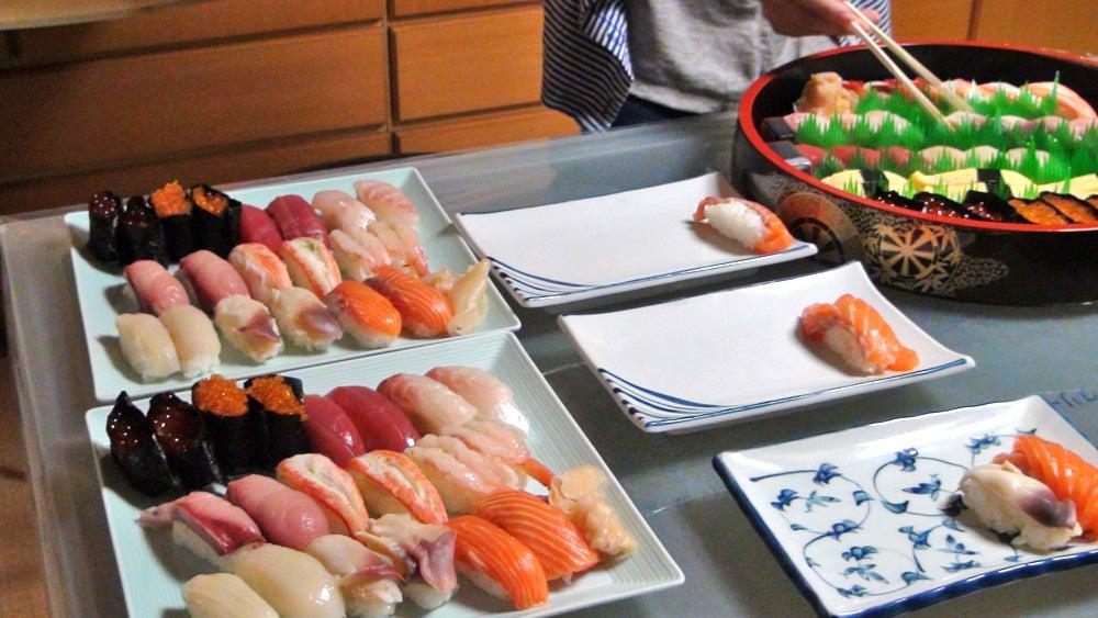 いつかの寿司パーティの様子