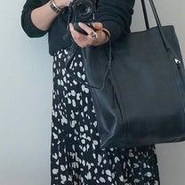 50代 大人の女性のスニーカーコーデの記事に添付されている画像
