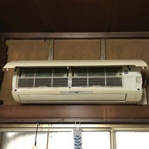 エアコン設置作業の画像