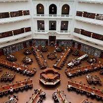 「死ぬまでに訪れたい世界の図書館15選」の一つ、ビクトリア州立図書館の記事に添付されている画像