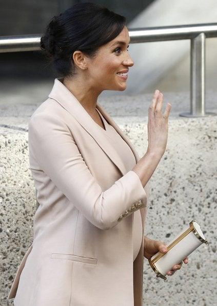 英国王室キャサリン妃 メーガン妃 ファッション ピンクベージュコーデ