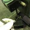 ブラザー工業 BR2-121 ハイスピン リベッティングマシン 電磁弁交換作業の画像