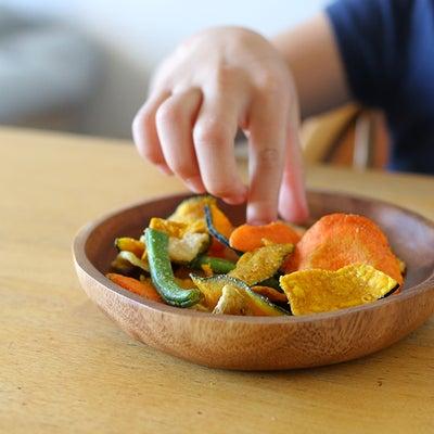 野菜嫌いで偏食の娘がパクパク食べる!無印の野菜チップス♪の記事に添付されている画像