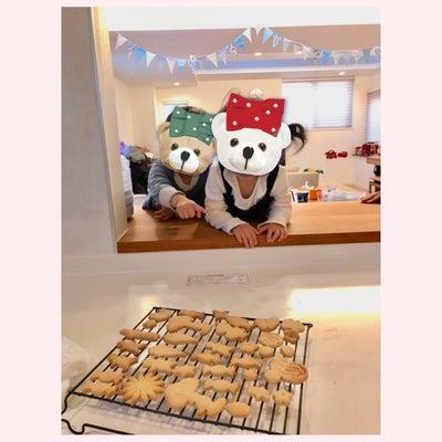 子供と型抜きクッキーの記事に添付されている画像