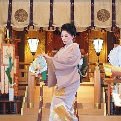 家元小川照 奉納舞 於 高津宮/4th Teru Ogawa Dedicatorの記事に添付されている画像