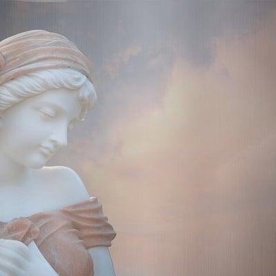 天女や女神系の方をつけている人の記事に添付されている画像