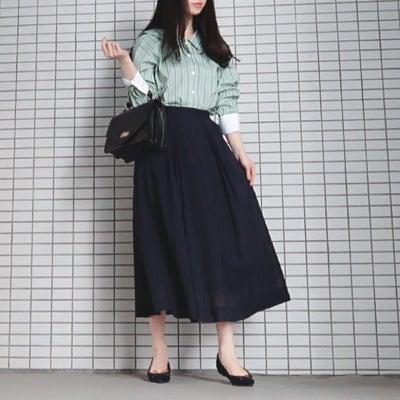 green × navy ♡ 春ファッションの記事に添付されている画像