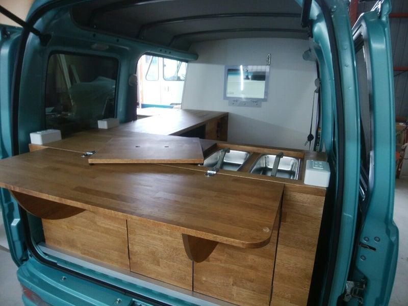 2b39a7ab61 クレープ屋さんの移動販売車が完成 | 移動販売車・キッチンカーを製作し ...