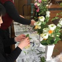 リメイクの仏花とモダンな仏花の記事に添付されている画像