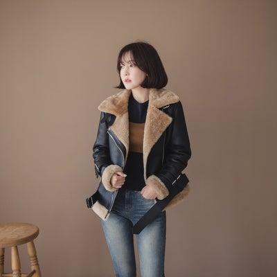 韓国で作られた。100%ハンドメードイタリア製ムートンジャケットの記事に添付されている画像