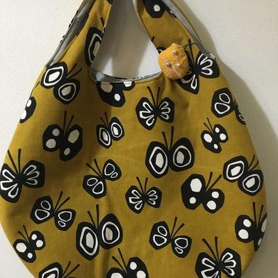 蝶々柄ブローチ付き卵型バッグ、花+鳥柄卵型バッグの記事に添付されている画像