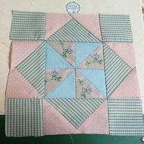 趣味の時間~ピーターラビットキルト*ダイヤモンドの風車のパターン~の記事に添付されている画像