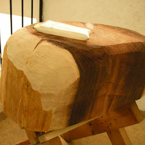 馬型の杉塊は、ここからどうするか?の記事に添付されている画像