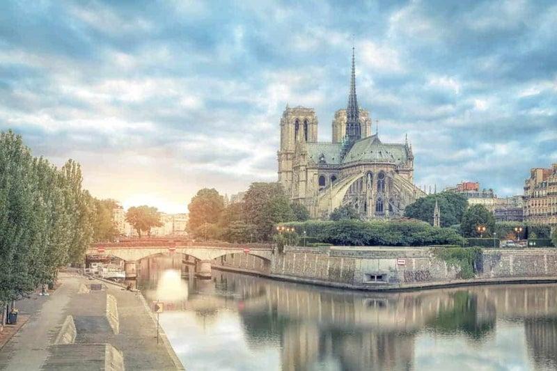 パリ ノート ルダム 大 聖堂