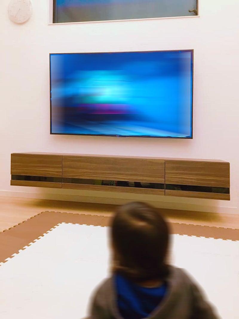 フロートテレビボードで可能になるシンプルモダンなリビング