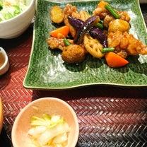 女性をターゲットの定食屋さん 大戸屋 鶏と野菜の黒酢あん定食の記事に添付されている画像