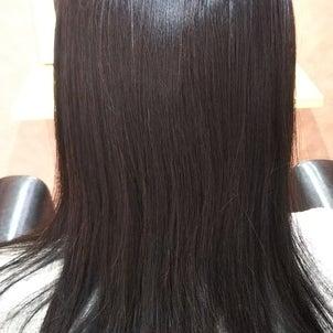 縮毛矯正して3カ月経ちました。まだまだツヤツヤな髪☆☆~東林間 高難易度縮毛矯正~の画像
